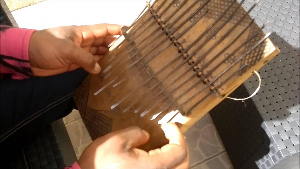 Sanza, instrument de percussion de l'Afrique