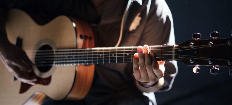 Le fastfret : un indispensable pour entretenir sa guitare ?